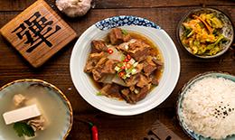 犟骨头排骨米饭有哪些特色?